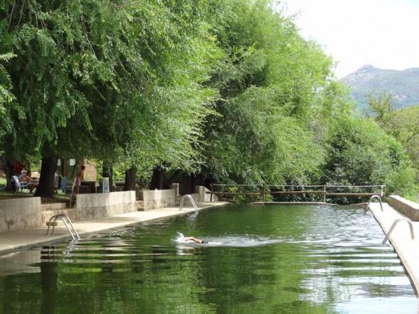 Piscina natural de Caminomorisco