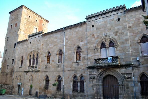 El Palacio de Monroy